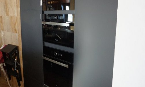 Éléments de cuisine en résine acrylique noir mat