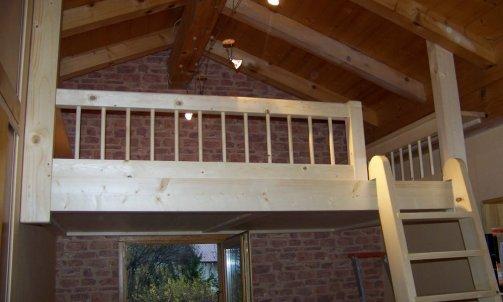 Mezzanine en épicéa avec echelle en bois a Passy